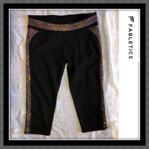 Fabletics Cropped Leggings - EUC - Sz Large
